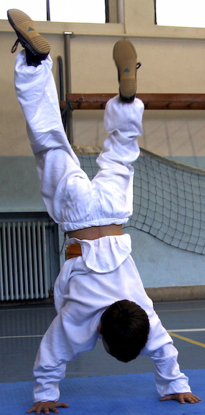 Kung Fu Bambini Verona - esercizi acrobatica